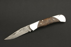 IZUMI ICHIAGO - Little Fox Taschenmesser aus Japanischem Damaststahl in edler Aufbewahrungsbox